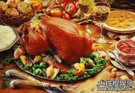 美国圣诞节吃什么_美国人在感恩节和圣诞节都要吃烤火鸡